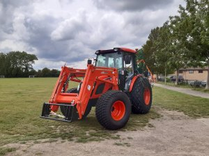 Vale of White Horse District Council provide £31,200 to Grove Parish Council to help buy a new tractor